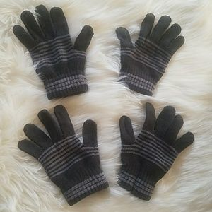 Accessories - 2 sets of gloves